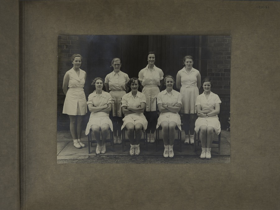 2 Tennis Club (Women)